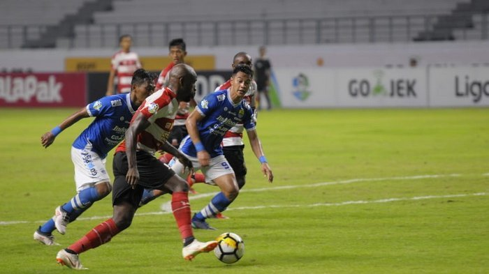 Prediksi Skor Persipura Jayapura Vs Persib Bandung 15 Oktober 2018